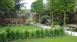 Period style formal garden design in Hadley Wood by Amanda Broughton