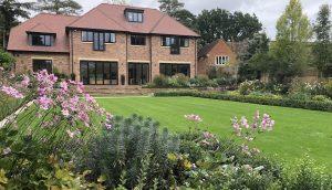 Herts. contemporary new build garden design