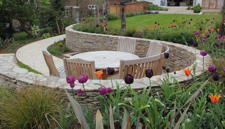 Hadley Wood sloping garden design in by Amanda Broughton