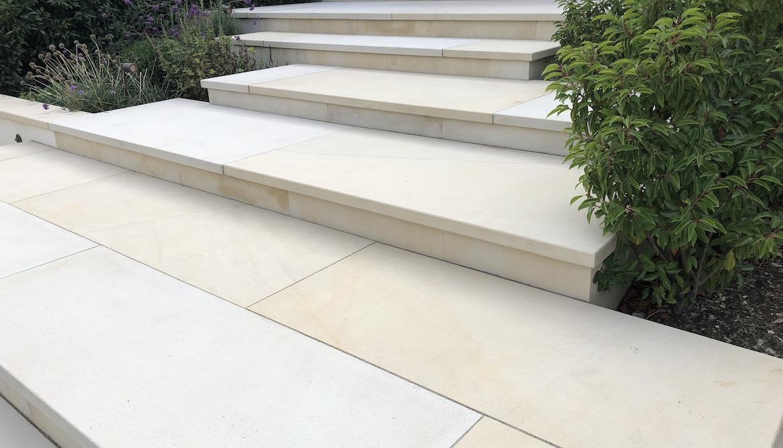 Steps in sloping family garden in Hadley Wood