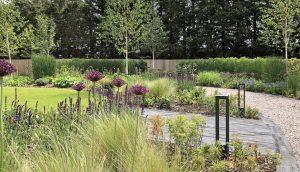 Van de Moortel paving and gravel with planting in Hertfordshire garden design