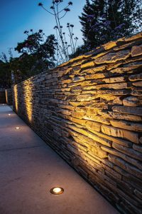 Beautifully executed paddle-stone wall in Herts.