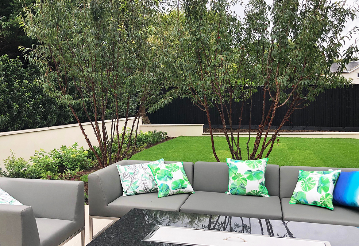 Lounge area with Fire Table in Harpenden garden design ...