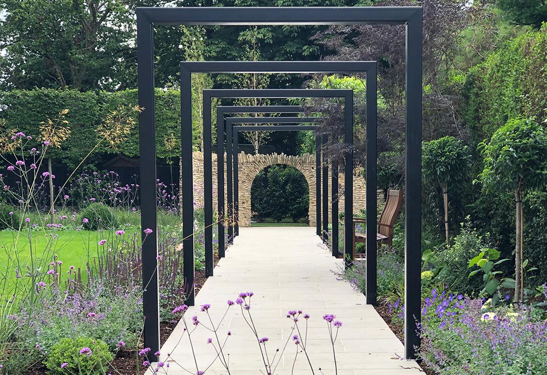 Arches in Hertfordshire garden design